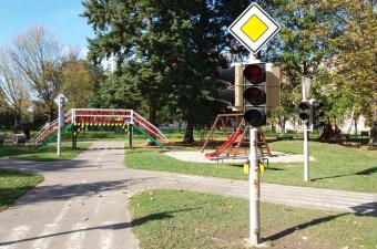 Reportáž: Červená, oranžová, zelená - JEDEME!