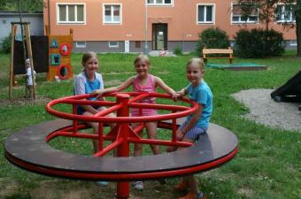 Reportáž: Dětské hřiště Mezi domy